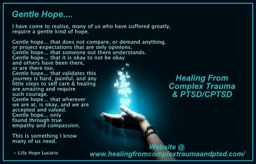 hope-in-hand_1600x1200_35433-005