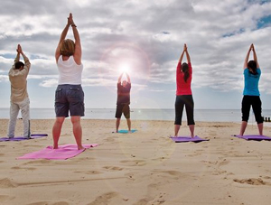 yoga-beach-exercise